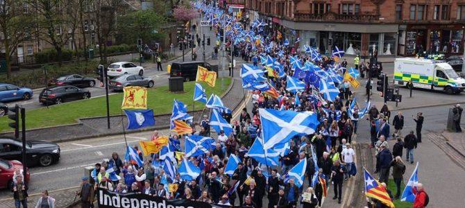 Scozia, 5 maggio 2018 : si parla di quasi 100.000 manifestanti per l'indipendenza a Glasgow.
