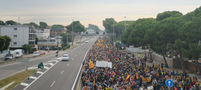 Storica dimostrazione per l'indipendenza nelle strade di Barcellona e della Catalogna.